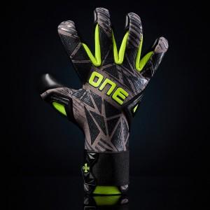 One GEO 3.0 Carbon Goalkeeper Gloves
